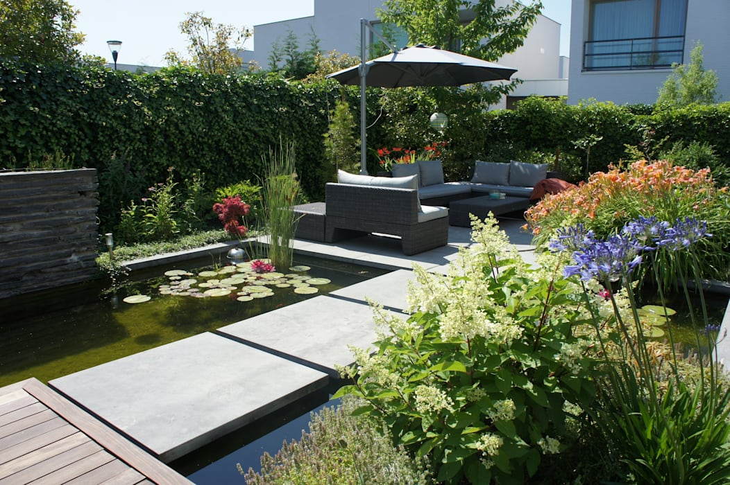 Modern Garden by RAW architectuurstudio Modern