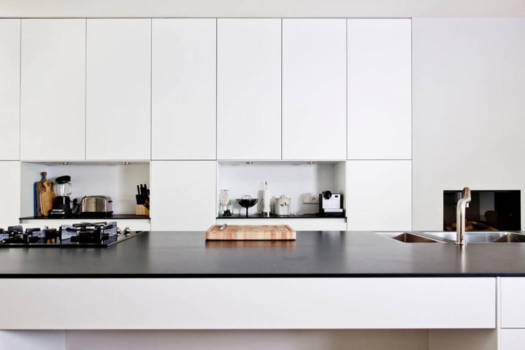 Benedenwoning te Amsterdam Moderne keukens van Kodde Architecten bna Modern