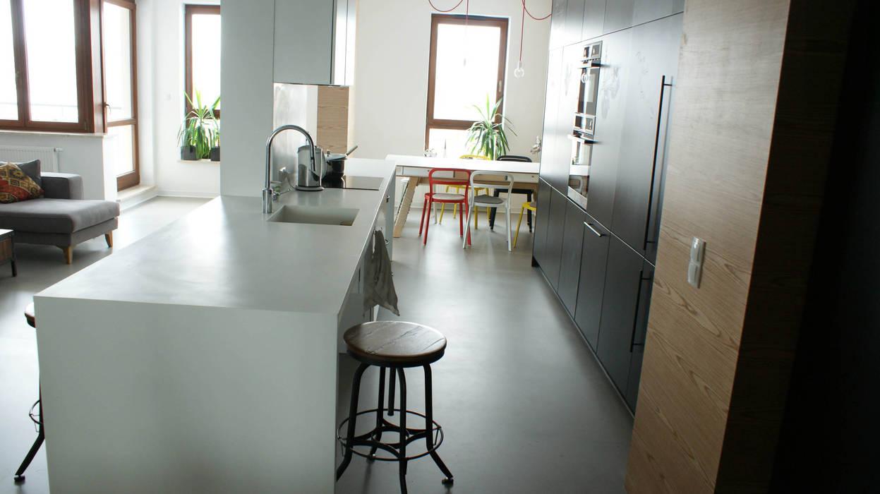 LOFT W WIALANOWIE Industrialna kuchnia od t design Industrialny
