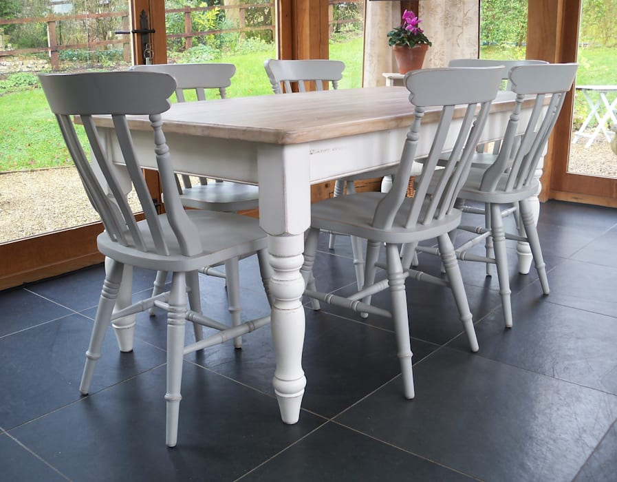 Hand Pinted Farmhouse Table: country Dining room by Rectory Blue