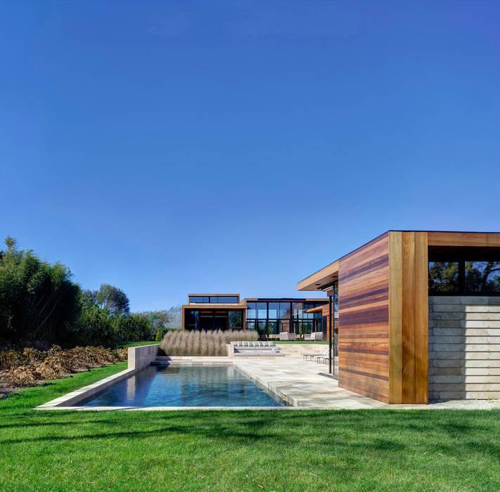 Sam's Creek Modern houses by homify Modern