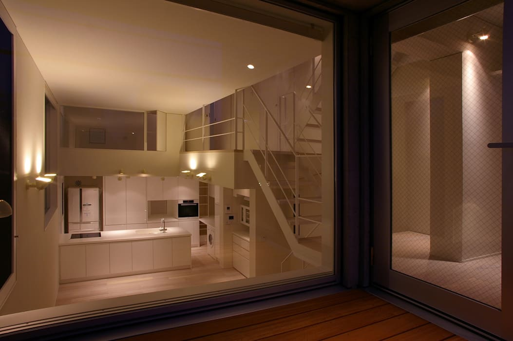 House I Salones de estilo minimalista de 森吉直剛アトリエ/MORIYOSHI NAOTAKE ATELIER ARCHITECTS Minimalista