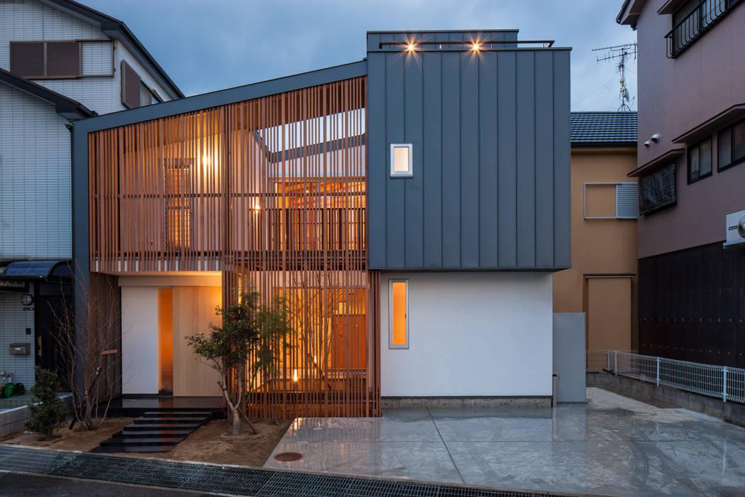 岸和田の家 外観: 神谷徹建築設計事務所が手掛けた家です。,モダン