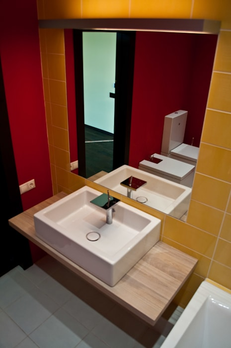 Nowoczesna łazienka od baboshin.com Nowoczesny