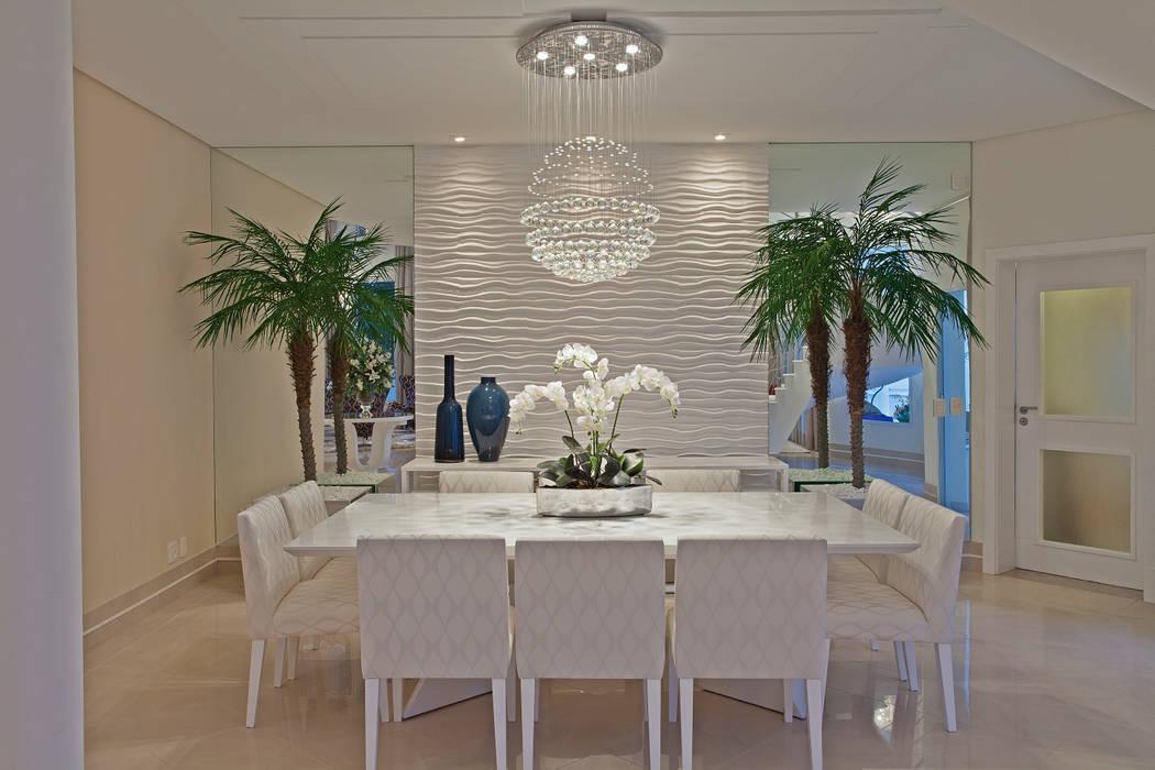 Casa Chelsea Salas de jantar modernas por Designer de Interiores e Paisagista Iara Kílaris Moderno