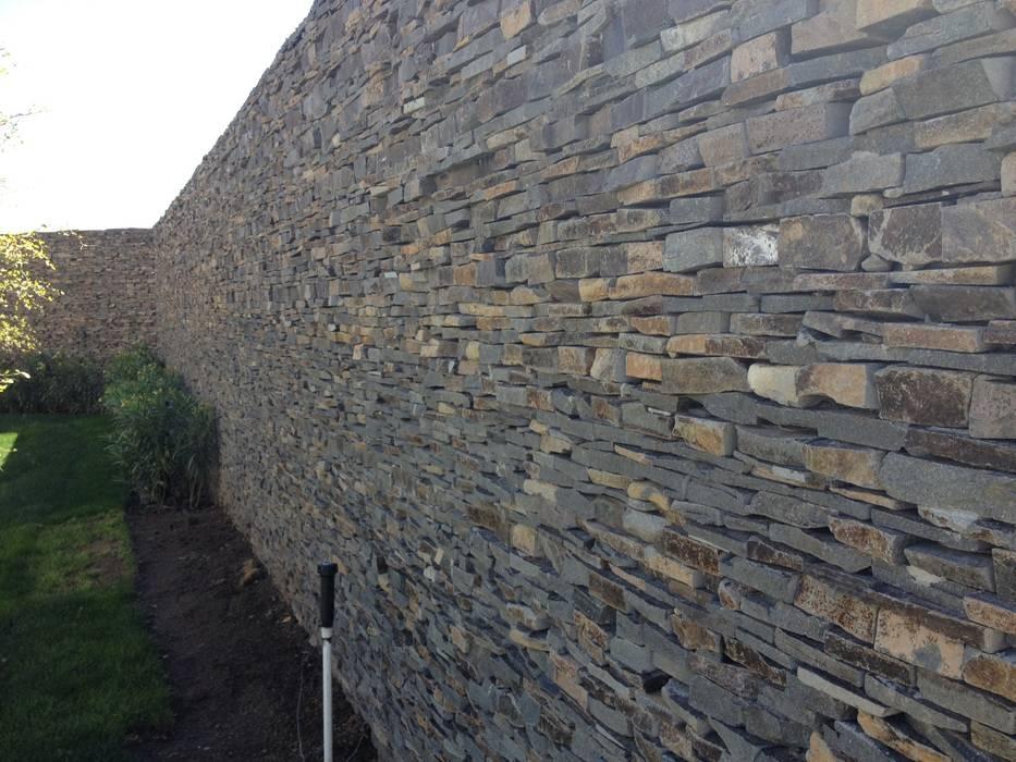 Jardines de estilo  por Piedra Serena
