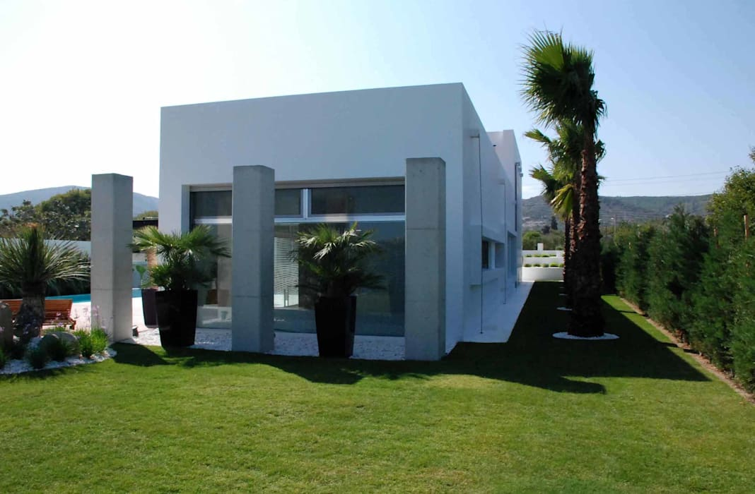 Mamurbaba Summer House minimalist style balcony, porch & terrace by Unlimited Design Minimalist