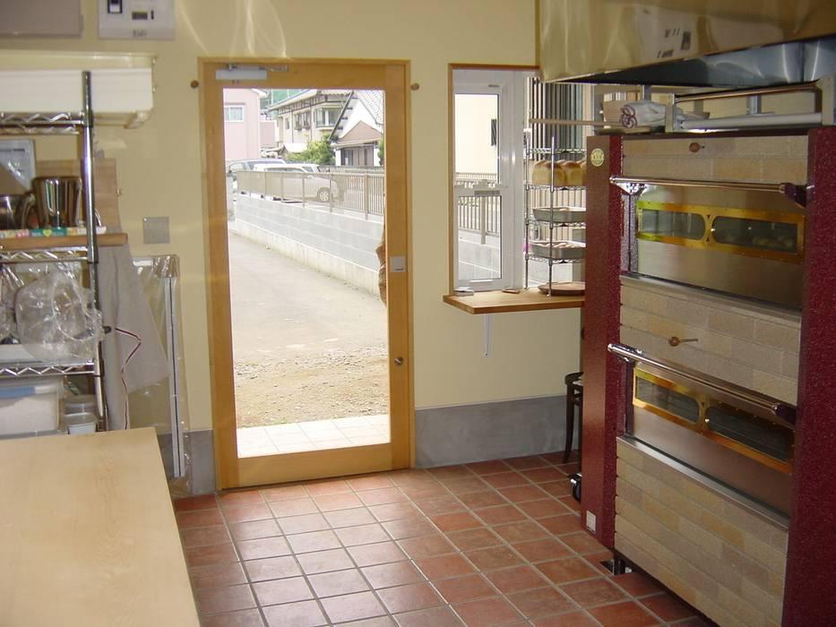 内観: 伊達剛建築設計事務所が手掛けたキッチンです。