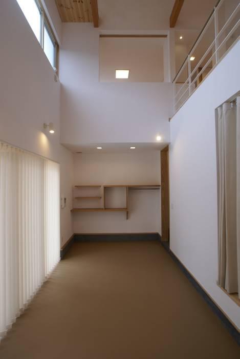 土間: 伊達剛建築設計事務所が手掛けた和室です。