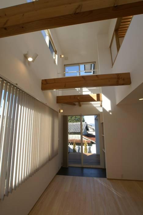 LDK オリジナルデザインの リビング の 伊達剛建築設計事務所 オリジナル