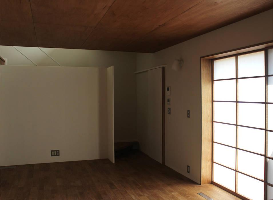 一里塚コートハウス オリジナルデザインの リビング の 竹内裕矢設計店 オリジナル