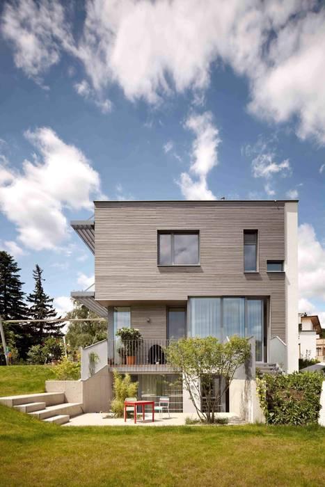 Ansicht Ost illichmann-architecture Moderne Häuser