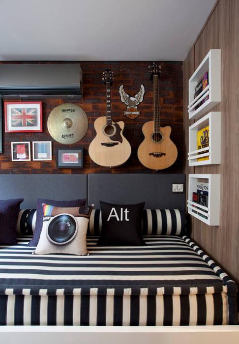 Dormitorios de estilo  por Juliana Pippi Arquitetura & Design, Moderno