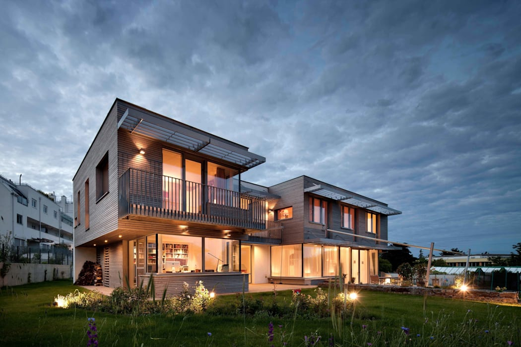 Ansicht Süd-Ost bei Nacht illichmann-architecture Moderne Häuser