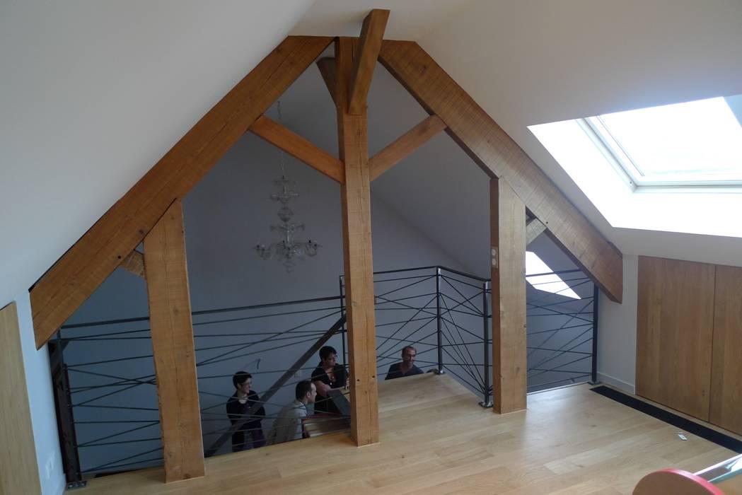 L'espace multimédia: Salle multimédia de style  par Benoit Viot Eirl