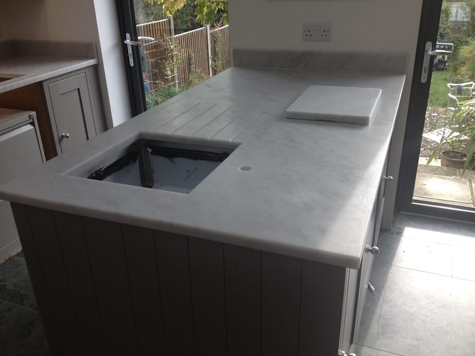 Honed Carrara Marble Worktops Marbles Ltd 廚房