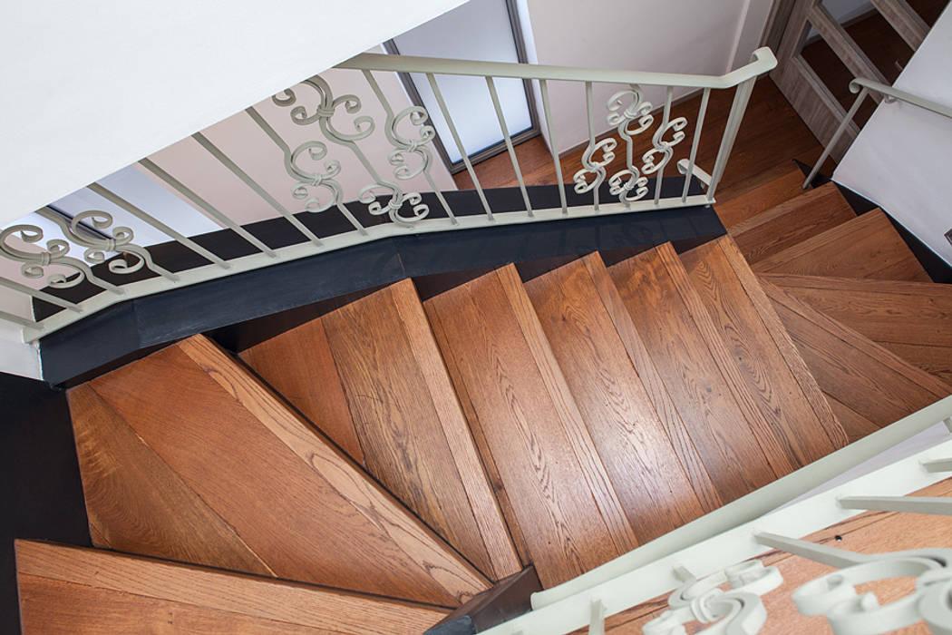 Flur, Diele & Treppenhaus von Nic  Antony Architects Ltd,
