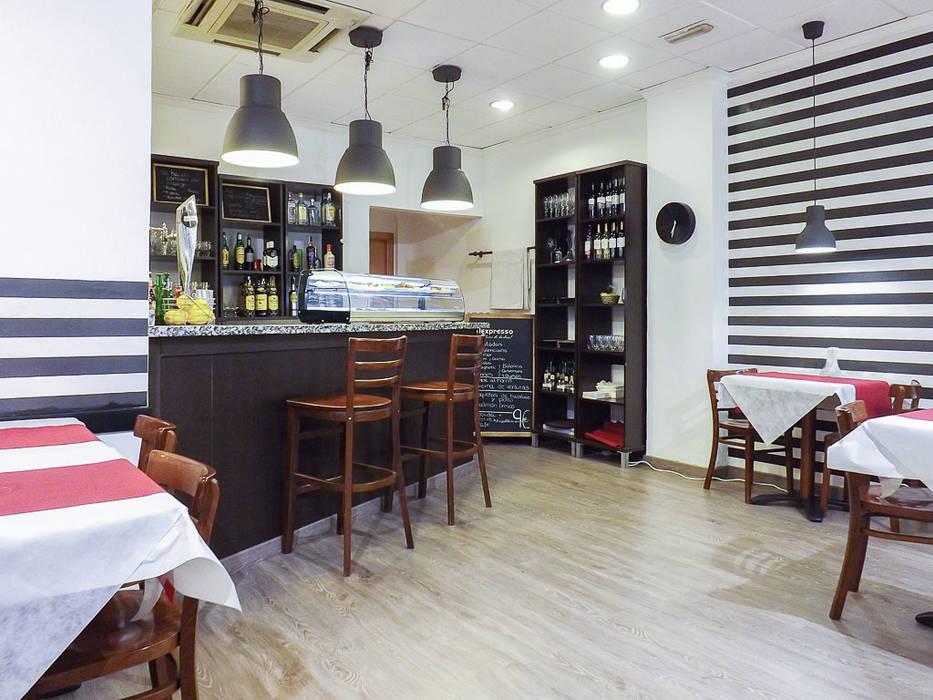 Bar Pitti Espacios comerciales de estilo industrial de custom casa home staging Industrial