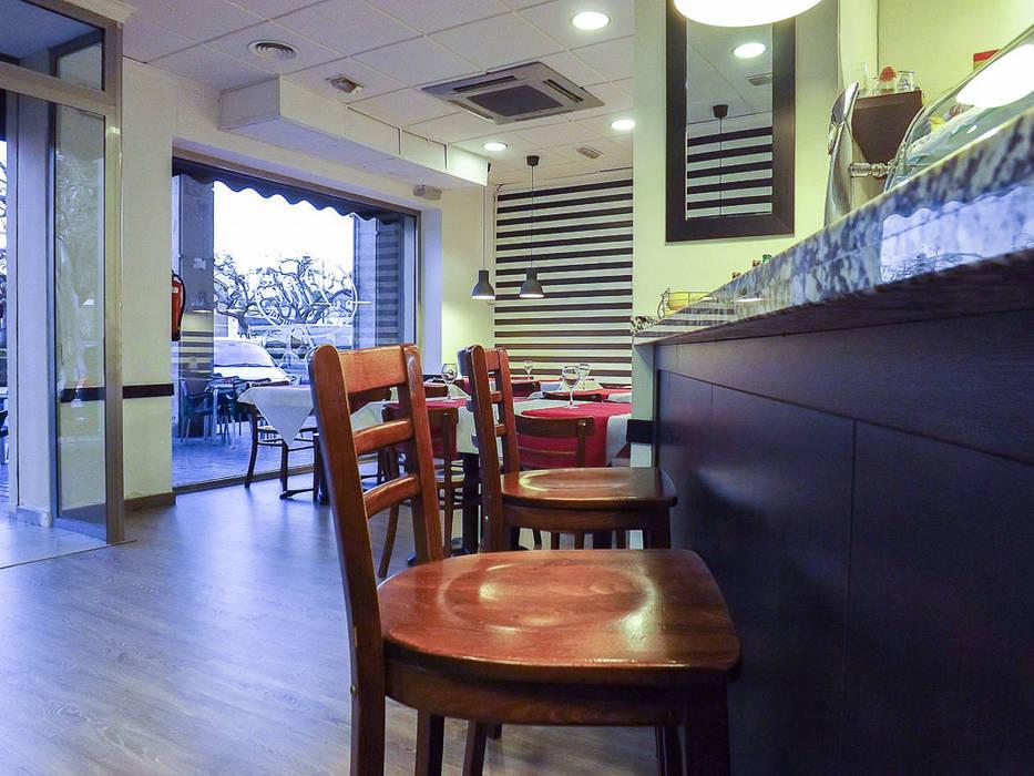 Bar Pitti Espacios comerciales de estilo mediterráneo de custom casa home staging Mediterráneo