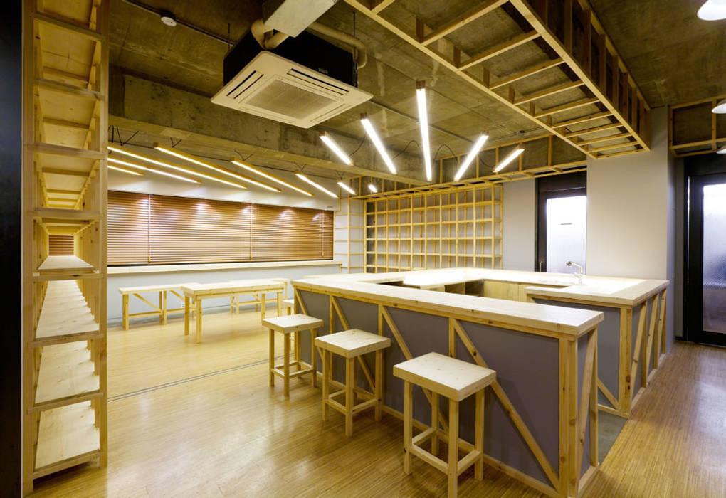 공존하는 공간_SAII: Design m4의  회의실