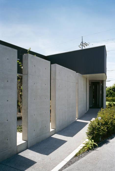 アプローチ: プライム建築都市研究所が手掛けた医療機関です。