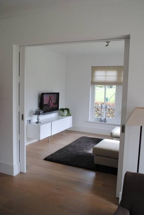halma-architecten Living roomTV stands & cabinets