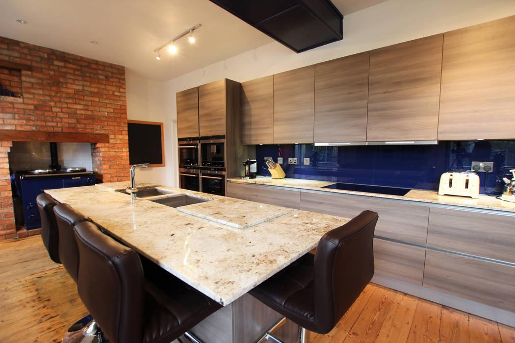 Grey Acacia wood laminate kitchen Cocinas de estilo moderno de LWK London Kitchens Moderno