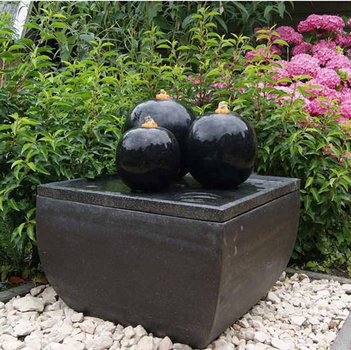 Fontaine de jardin Cordoba: Jardin de style de style Asiatique par Janelabe