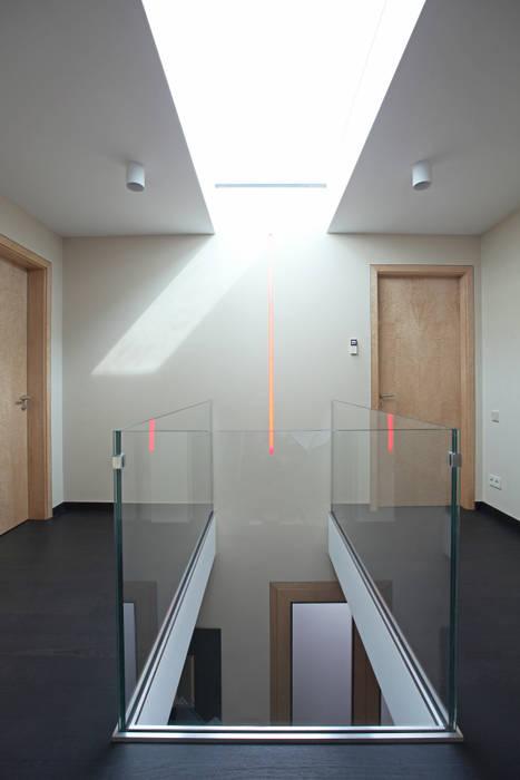 Галерея 2 этаж: Коридор и прихожая в . Автор – Архитектурное бюро Лены Гординой