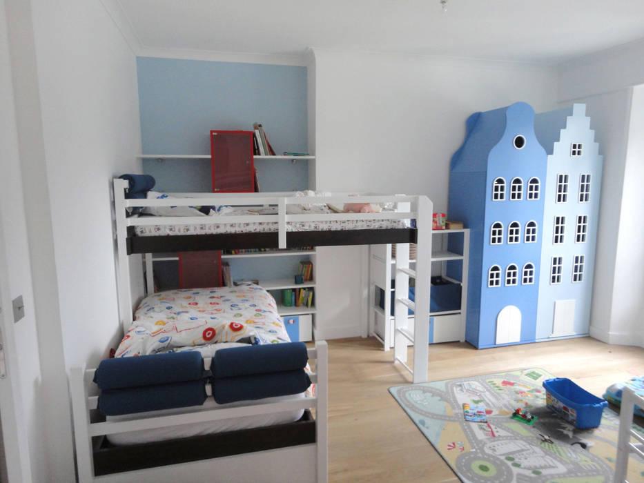 Chambre garçon: Chambre d'enfant de style de style Moderne par Ateliers Safouane