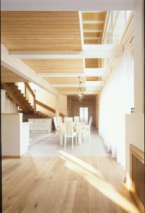 Дом из клёного бруса Столовая комната в стиле кантри от homify Кантри