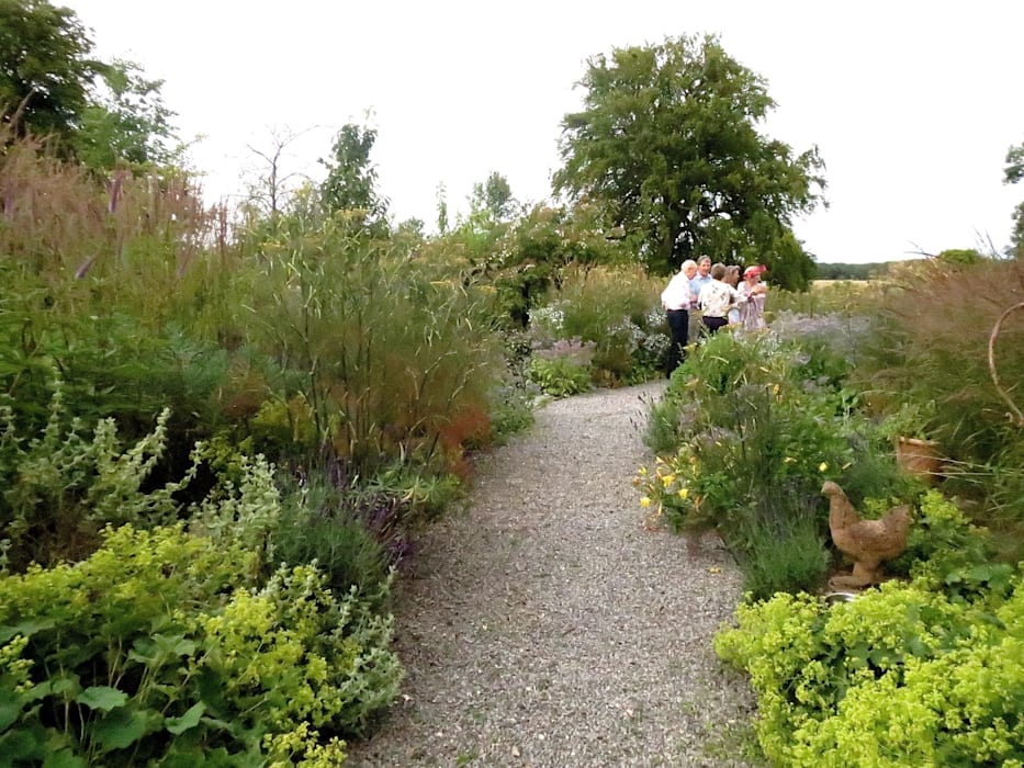 Large Country Garden Taman Gaya Country Oleh Rosemary Coldstream Garden Design Limited Country