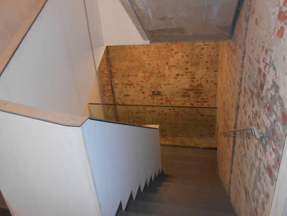 Göttling Fliesentechnik GmbH industrial style corridor, hallway & stairs.