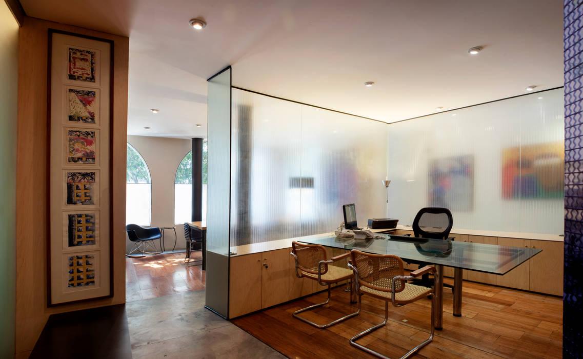 Edificio Teotihuacán Centros de exposiciones de estilo minimalista de Cm2 Management Minimalista