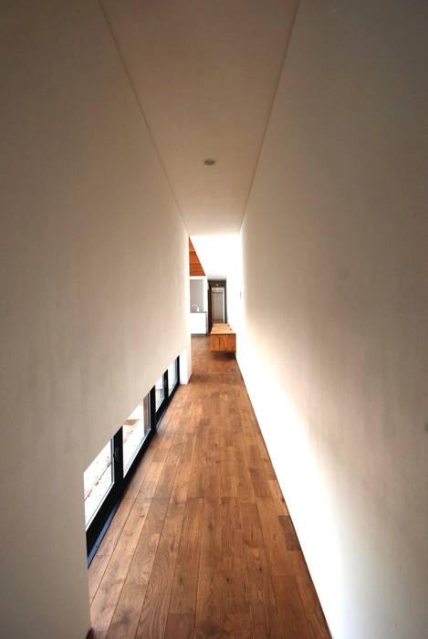 CASE-T/S モダンスタイルの 玄関&廊下&階段 の 株式会社PLUS CASA モダン