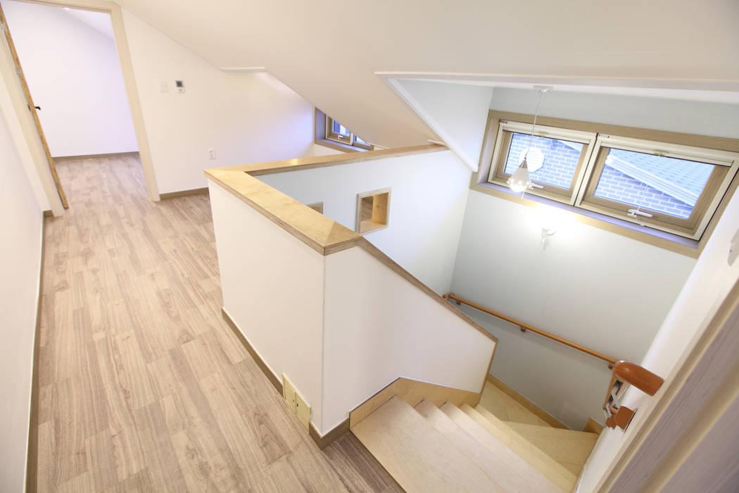 하남주택의 다락: 주택설계전문 디자인그룹 홈스타일토토의  아이방