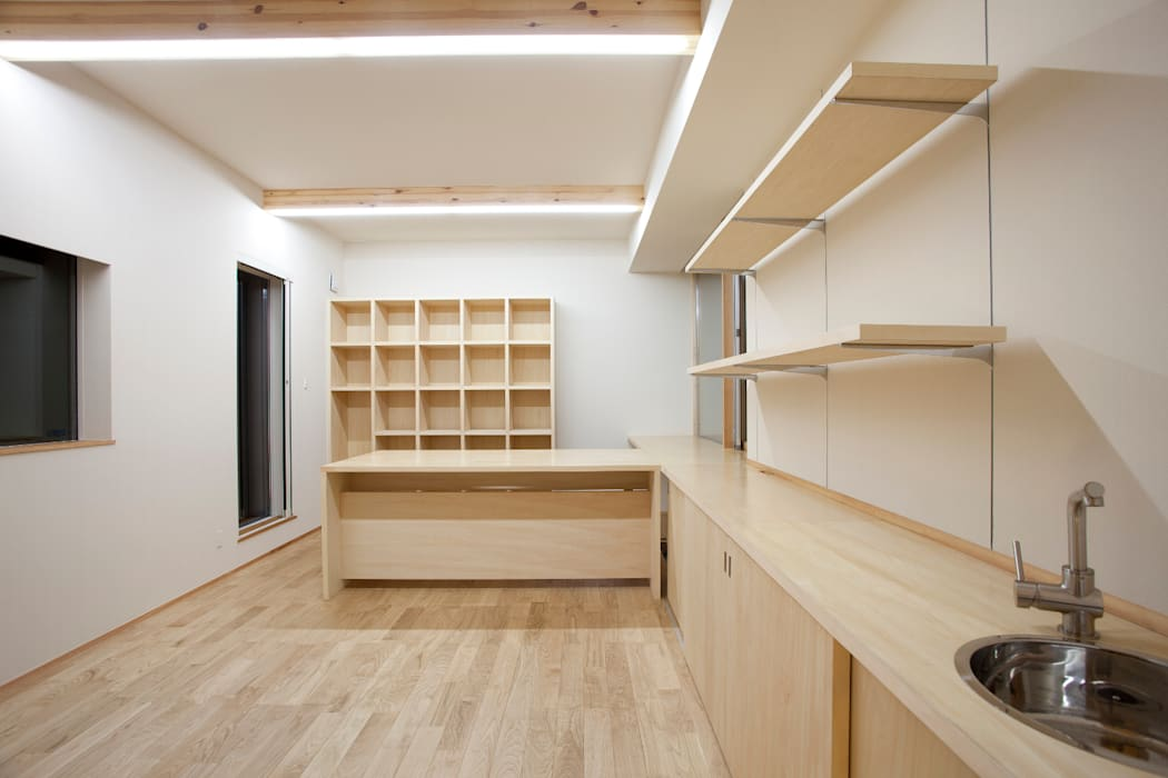K-House 一級建築士事務所オブデザイン モダンデザインの 書斎