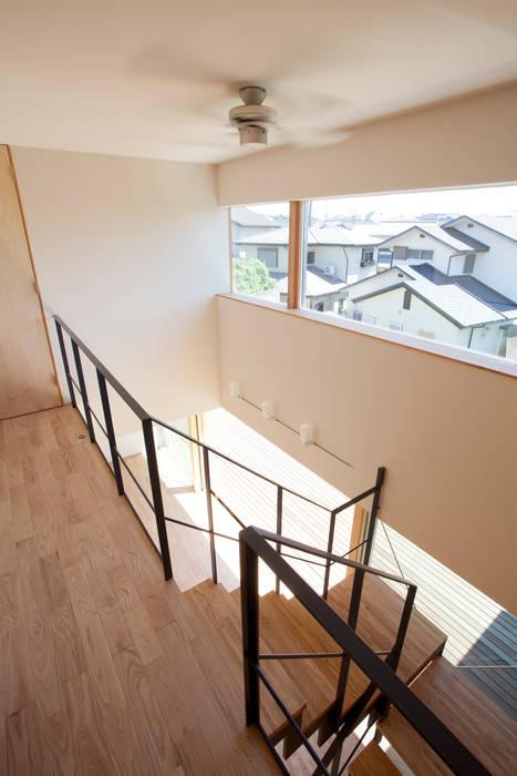 K-House 一級建築士事務所オブデザイン モダンスタイルの 玄関&廊下&階段