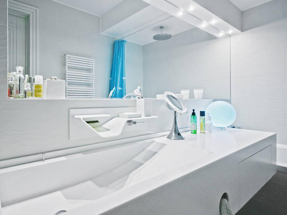 Квартира на Университетском: Ванные комнаты в . Автор – Owner /designer, Минимализм