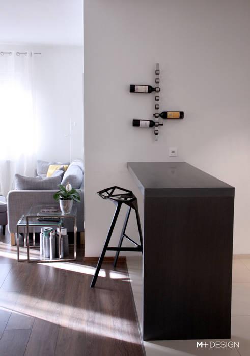 Cucina minimalista di M+ DESIGN Marta Dolnicka Marchaj Minimalista