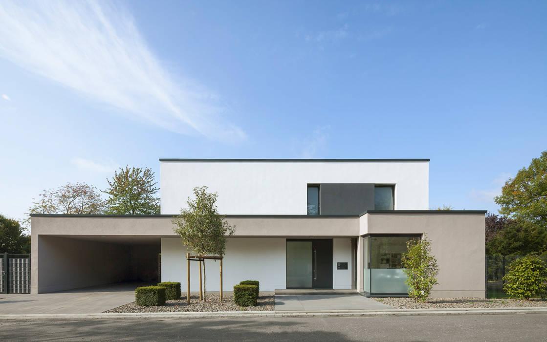 Straßenansicht Minimalistische Häuser von Skandella Architektur Innenarchitektur Minimalistisch