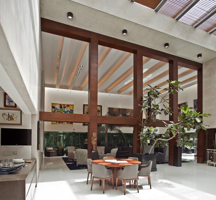 Casa H: Comedores de estilo minimalista por Cm2 Management