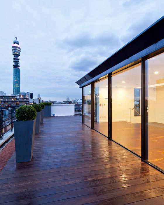 Hallam Street Sonnemann Toon Architects Modern balcony, veranda & terrace