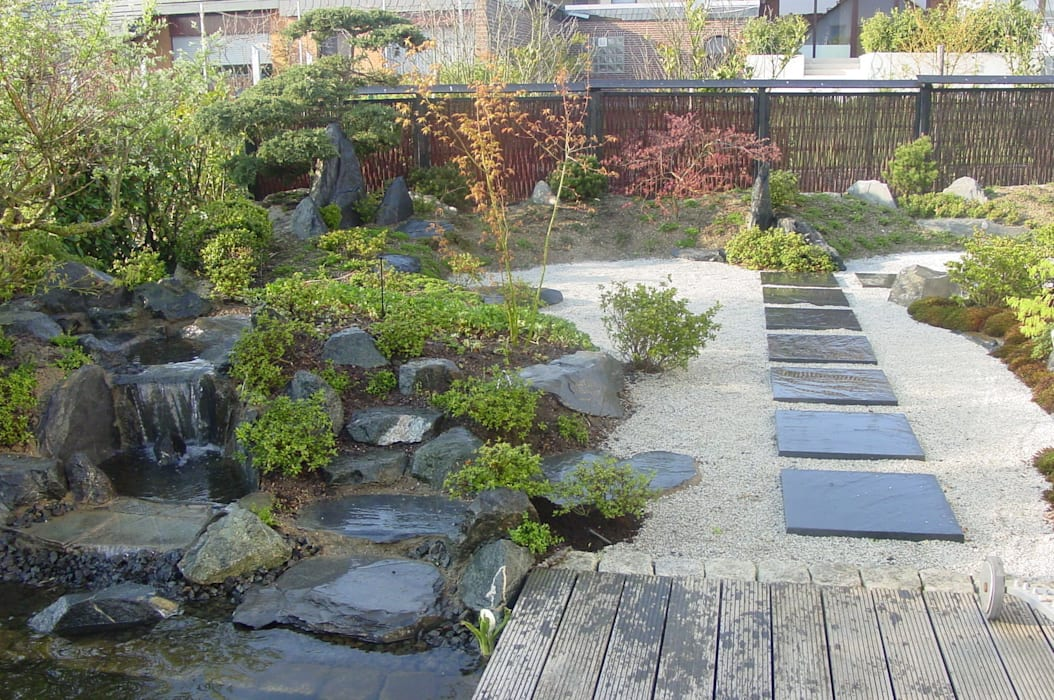 Asian style garden by Kokeniwa Japanische Gartengestaltung Asian