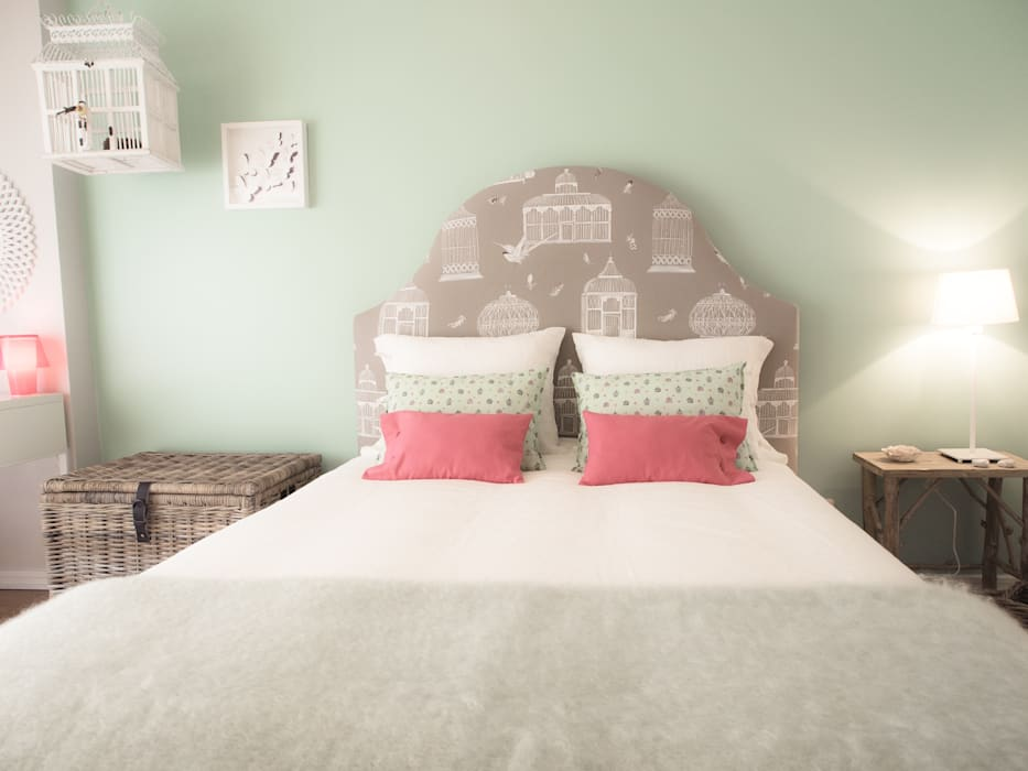 Country style bedroom by MUDA Home Design Country