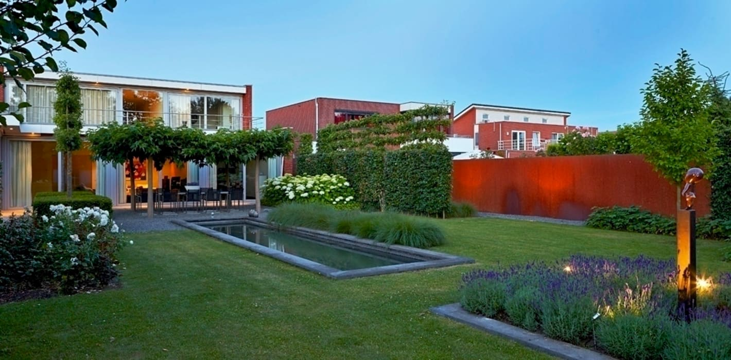 Garden by FLORERA , design and realisation gardens and other outdoor spaces. , Modern