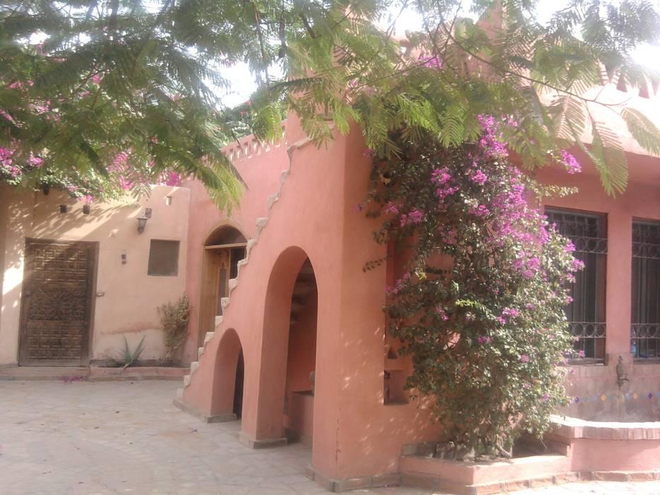 chalet in stile arabo : Case in stile in stile Mediterraneo di Il mosaico sas & co di salem mohsen