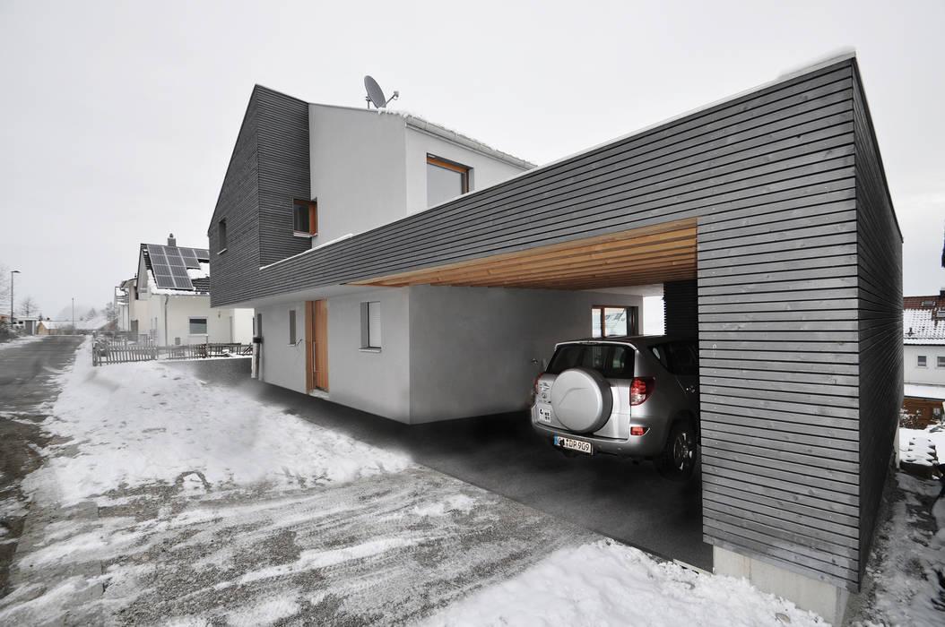 Form follows Bebauungsplan Ausgefallene Garagen & Schuppen von Pakula & Fischer Architekten GmnH Ausgefallen