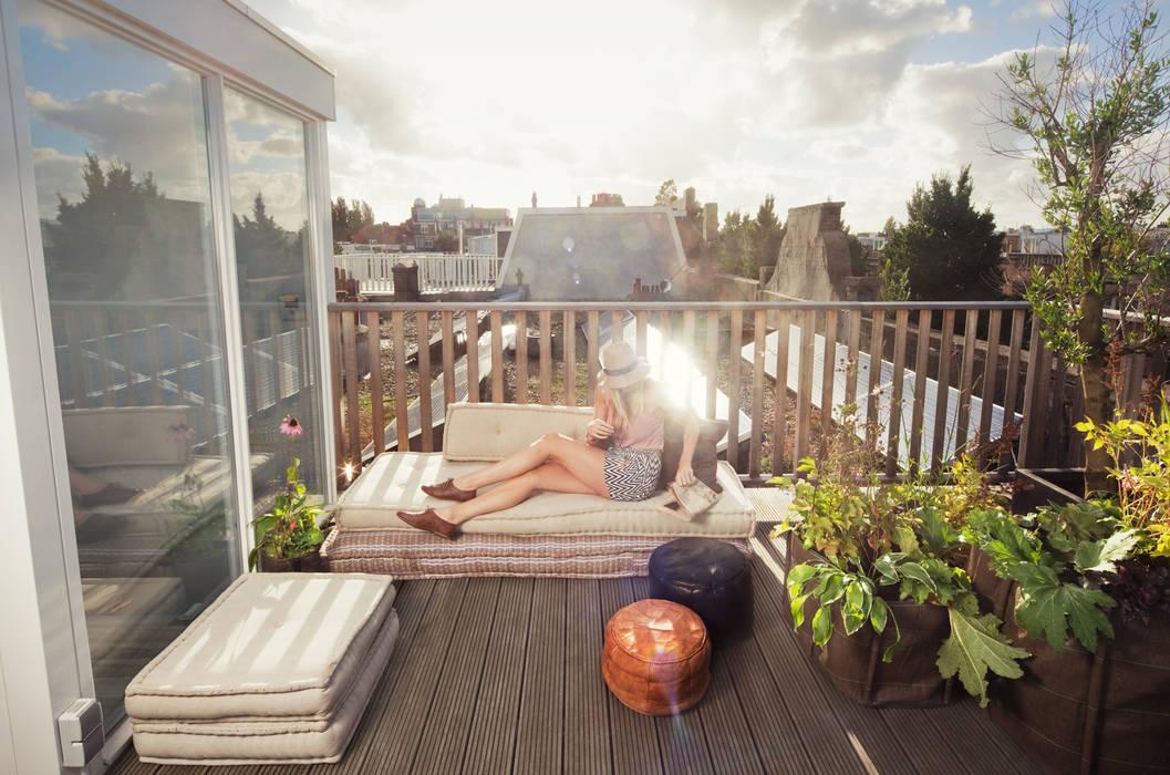 Mediterranean style balcony, veranda & terrace by Dakterras.nl Mediterranean