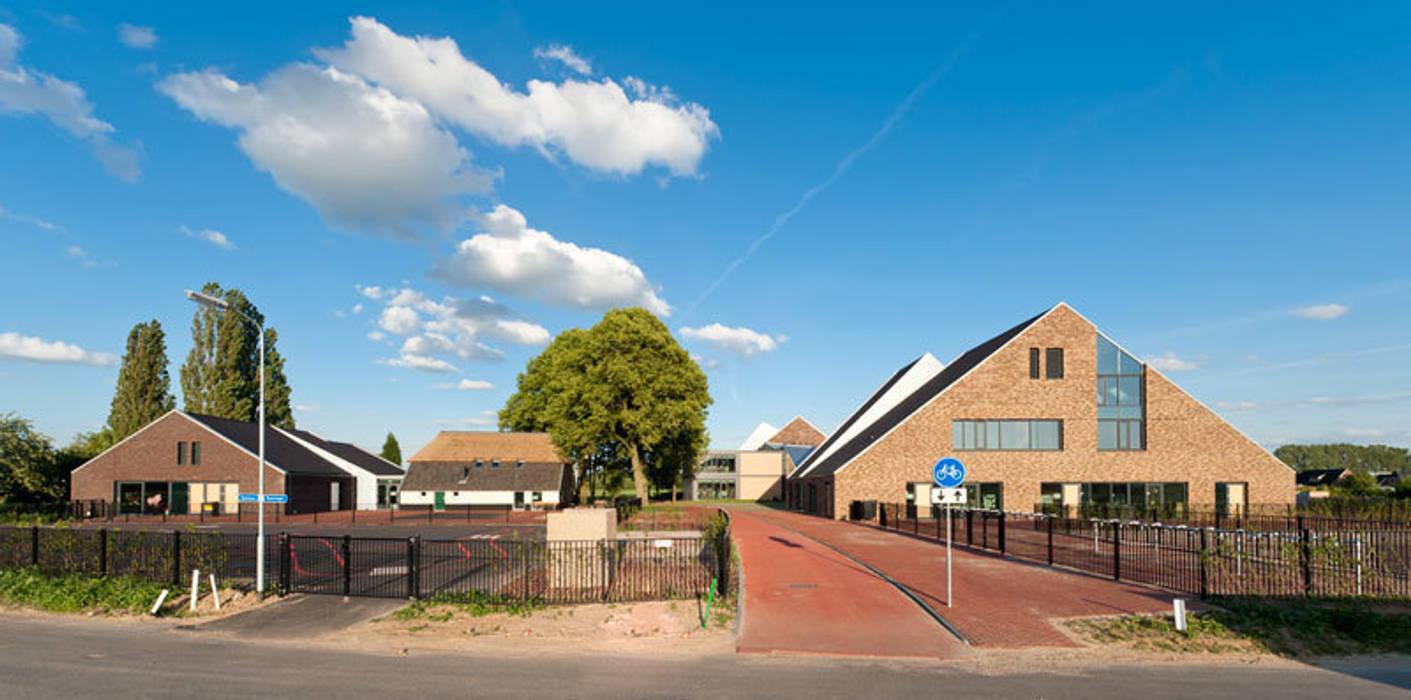 Fietspad Moderne scholen van Peter van Aarsen Architect Modern
